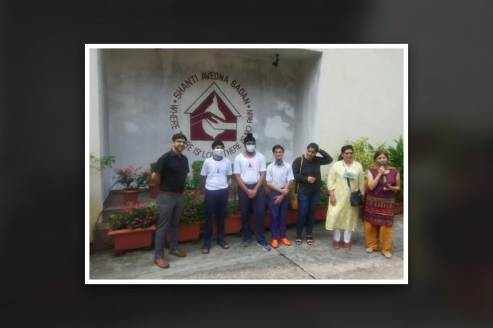Students of Jasudben ML School conducts fundraiser as festive celebrations